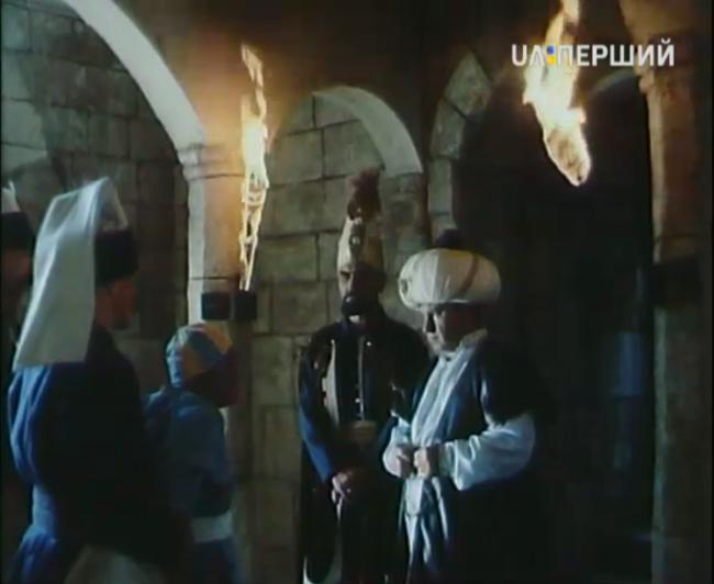 Скриншот с первого дня вещания канала Перший нового общественного телевещания Украины. Виден логотип нового канала.