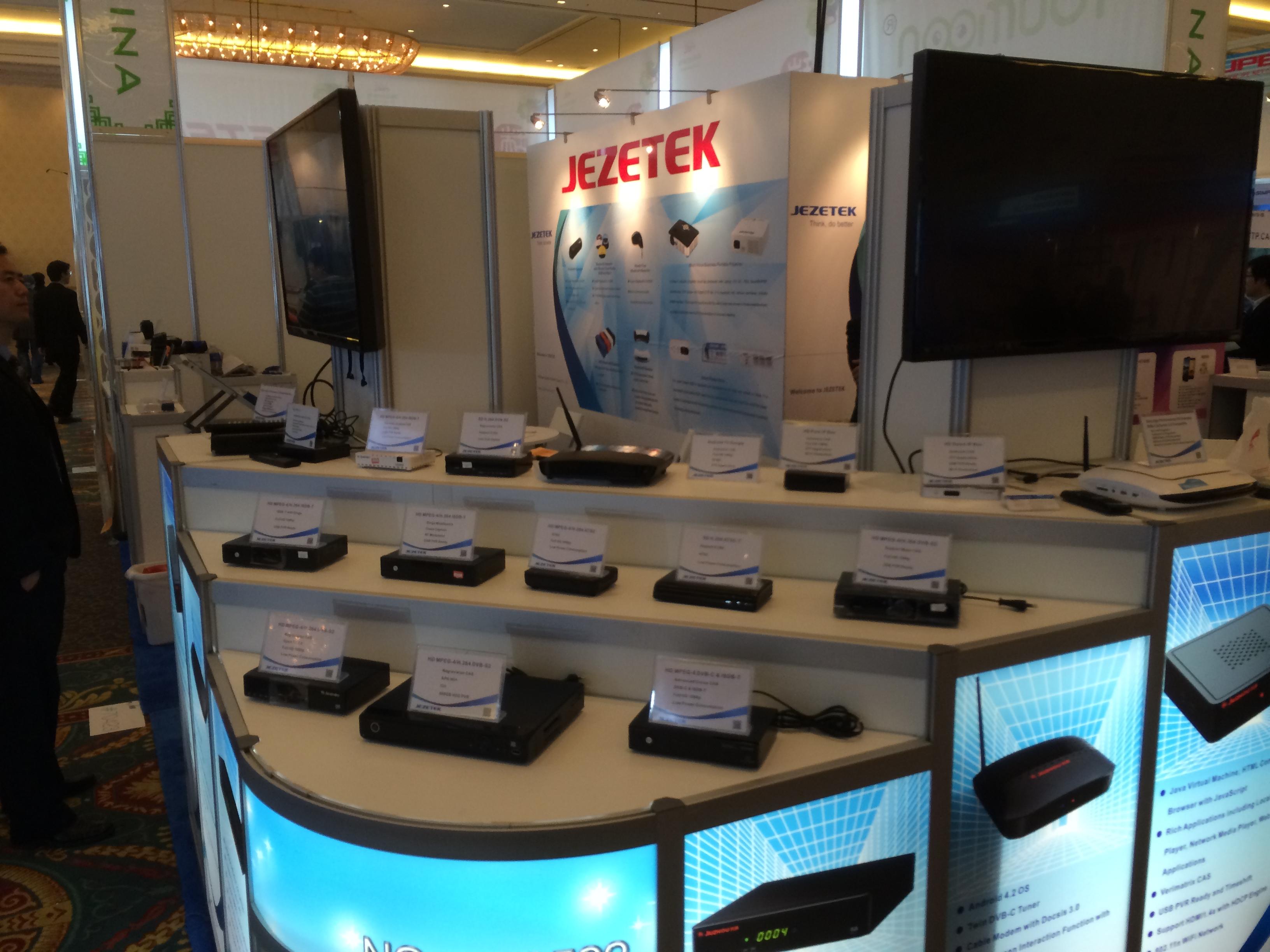 Стенд компании Jezetek на выставке CES 2014